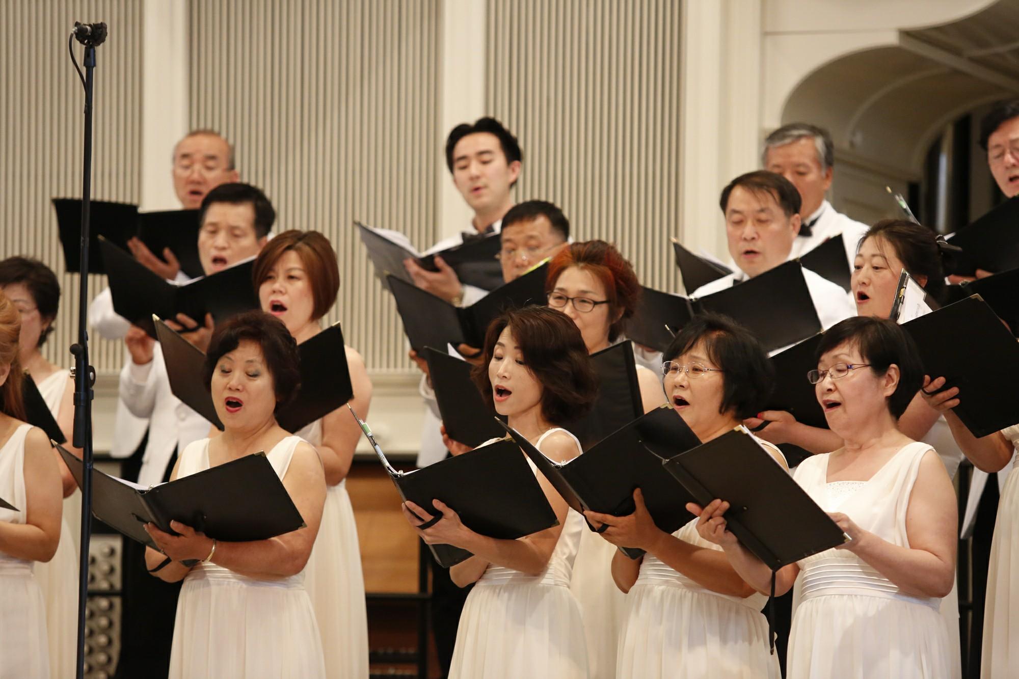 한국의 혼 연주회 단원 사진5.jpg