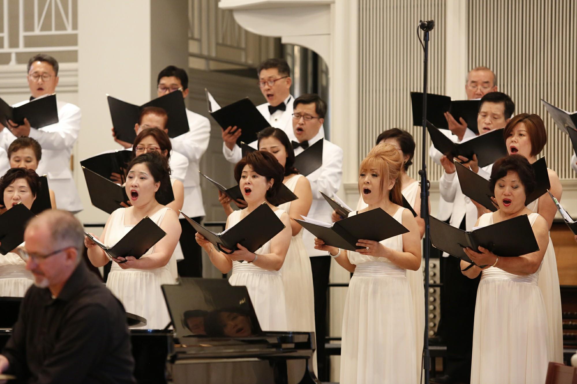 한국의 혼 연주회 단원 사진2.jpg